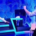 Rudina Hajdari si kurrë më parë kërcen vallen e Tropojës në studio (Video)