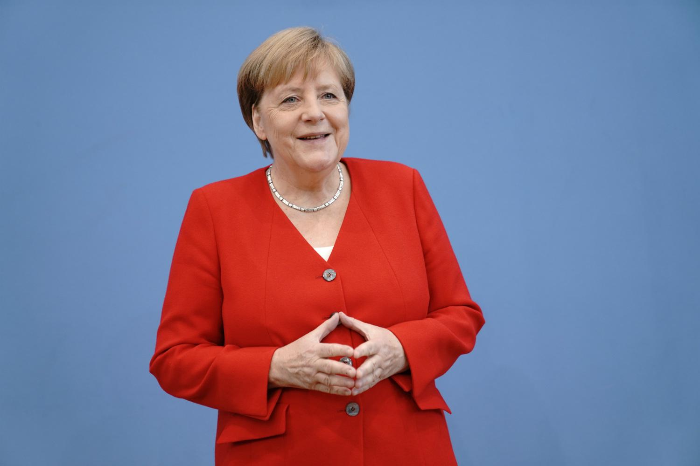 Pandemia/Merkel: Na presin muaj të vështirë, duhet të shmangim izolimin