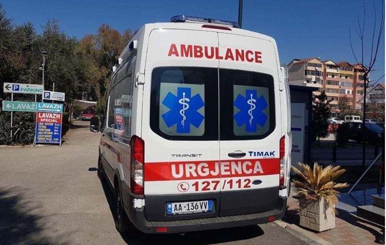 Aksident në Lushnjë-Rrogozhinë, plagosen tre persona
